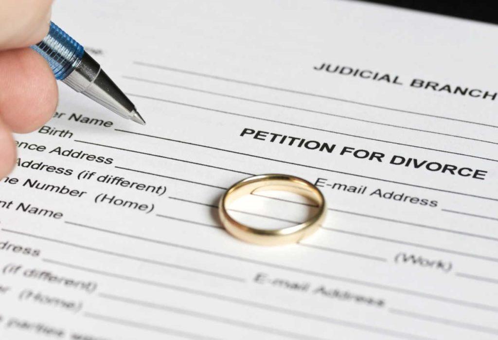 Куда обратиться чтобы подать на развод