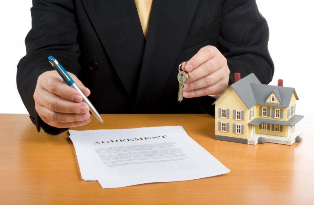 адвокат жилищный стоять
